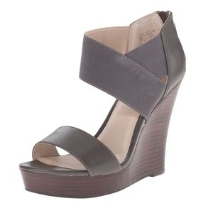 Anthro Seychelles Grey Leather Wedge Sandals 8